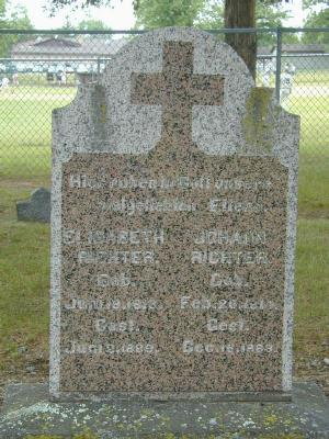 Gravestone of Johann and Elisabeth Richter